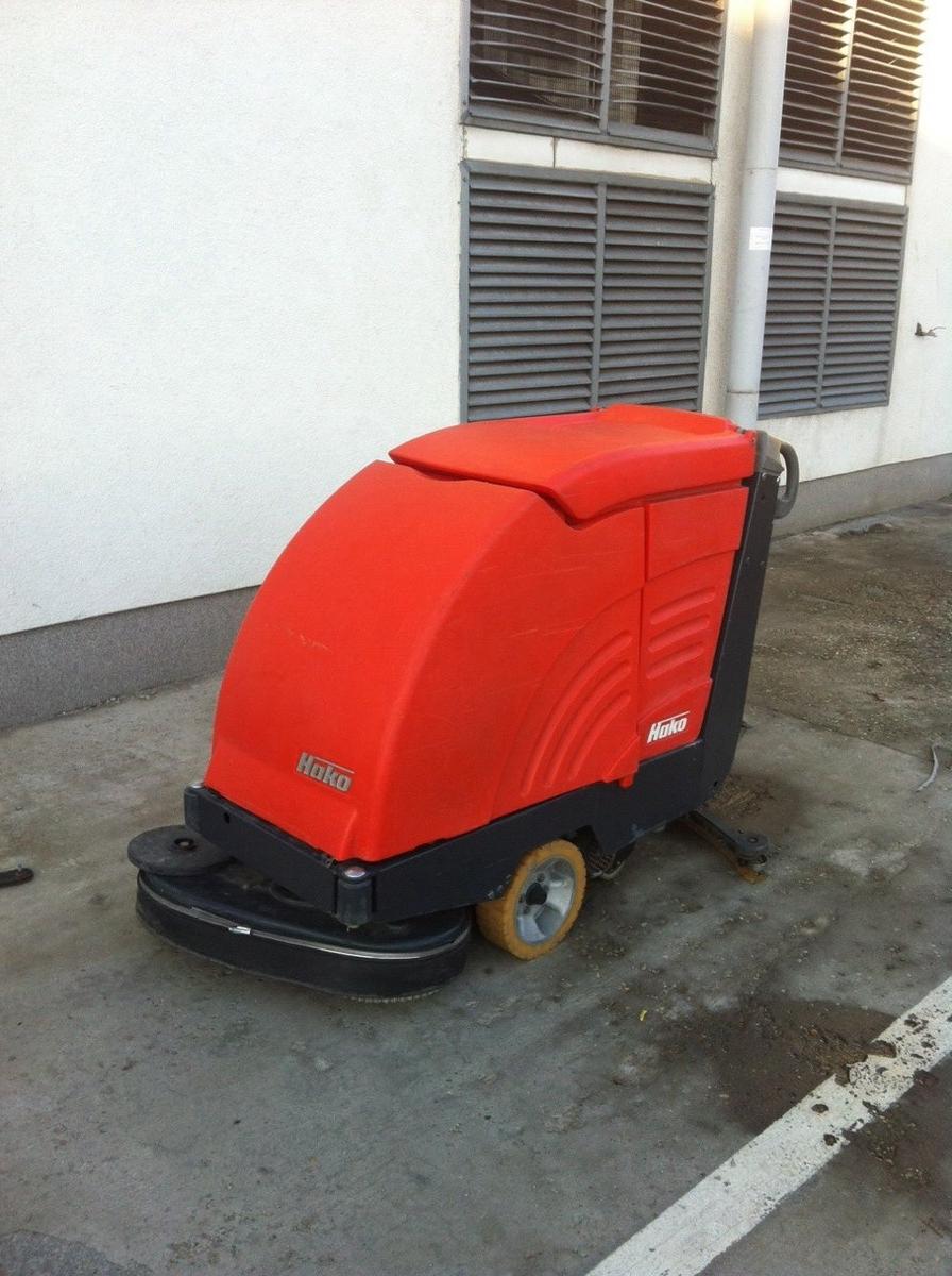 HAKO B655 S önjáró padlótisztító automata - HASZNÁLT